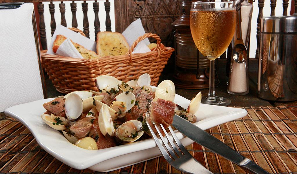 gastronomia-porco-a-alentejana-2